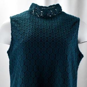 !Woven Turquoise Turtle-Neck Lace Detail Tank Top!